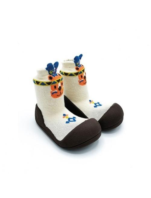 Zapatillas-Attipas-Indio-Beige-Zapatos-Primeros-pasos-calzado-ergonomico-Bebes-accesorios-Puericultura-Tienda-Online-Zaragoza