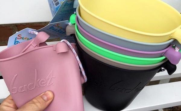 Cubo y pala de playa Scrunch bebe accesorios verano tienda online Zaragoza